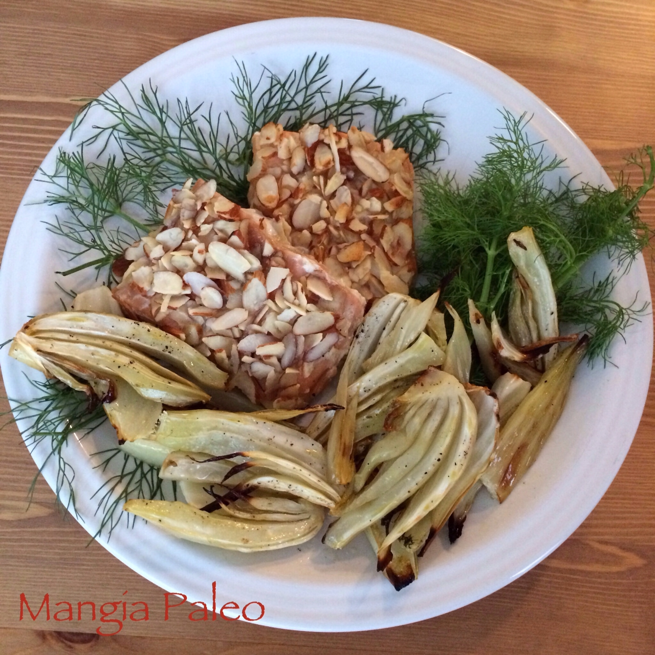 Honey Almond Salmon with Roasted Fennel – Mangia Paleo